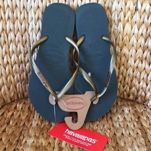 New Havaianas Thin Strap Sandals Gold Olive 9/10